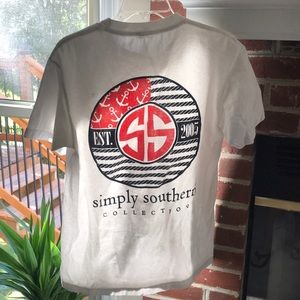 Simply Southern medium shirt